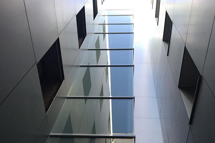 Obras de acondicionamiento y actividad de edificio residencial en C/ Ayala, Madrid